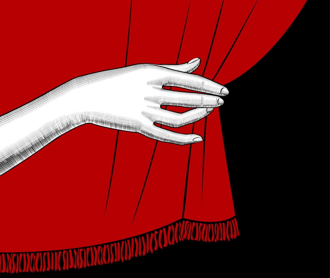 Hand pulling curtain