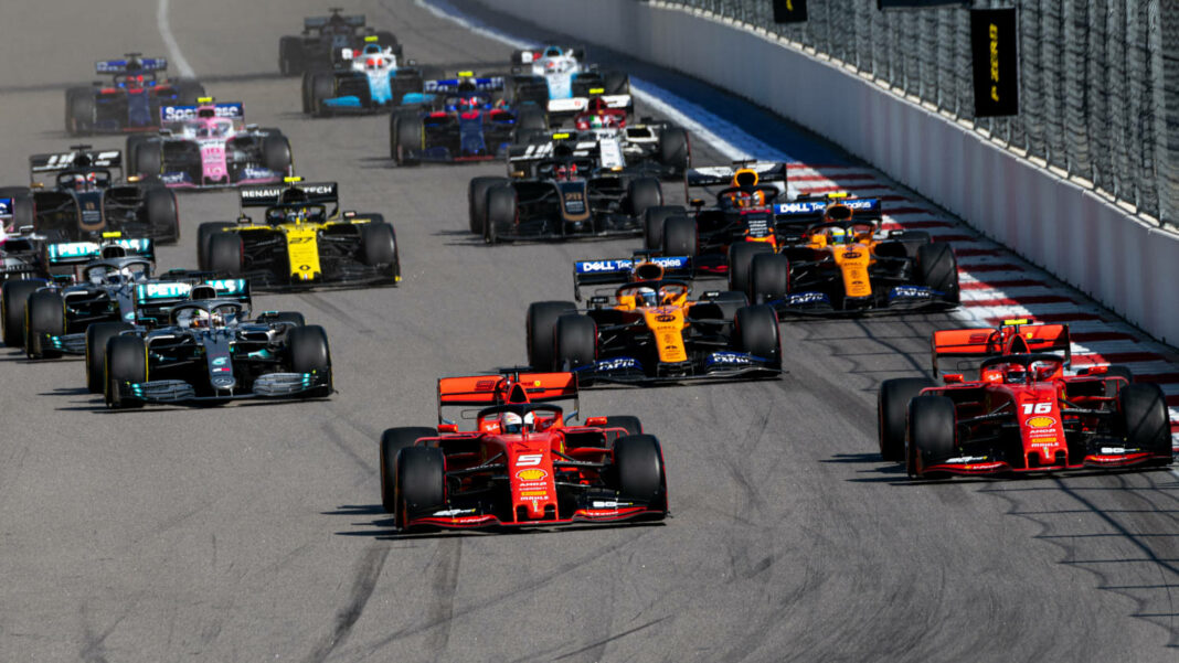 Race start at the Formula 1 Grand Prix of Russia on 29 September 2019