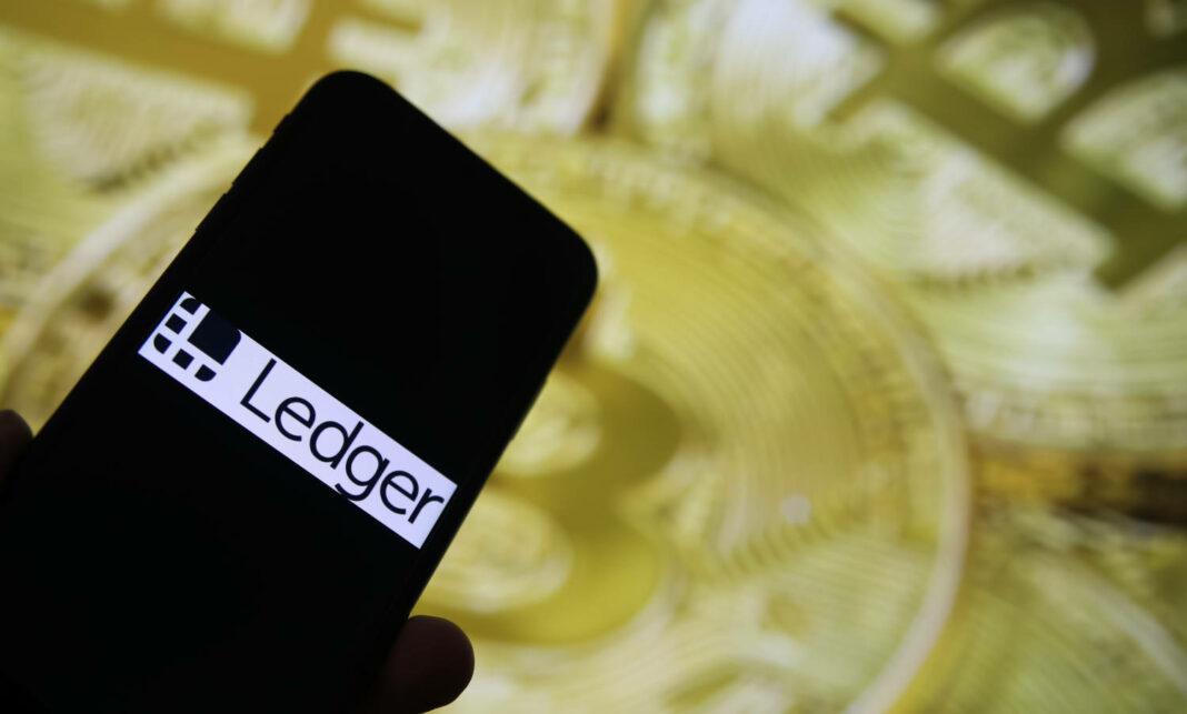 Ledger app on mobile phone